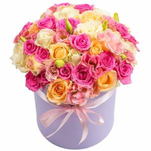 """Цветы в коробке """"Малиновое мороженное"""""""
